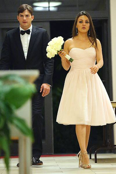 EXCLUSIVE: Mila Kunis and Ashton Kutcher attend Mila's brother Michael Kunis wedding with Alexandra Blacker in St. Petersburg Fl