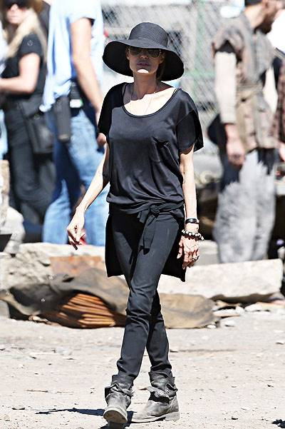 Pax visits mother Angelina Jolie while she films 'Unbroken' in Sydney