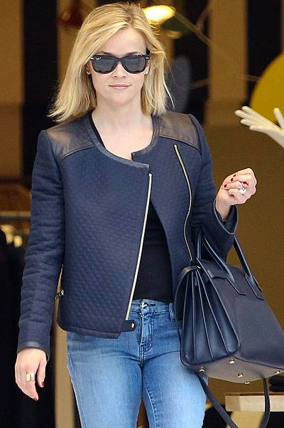 Reese Witherspoon has a solo retail therapy session in Beverly Hills