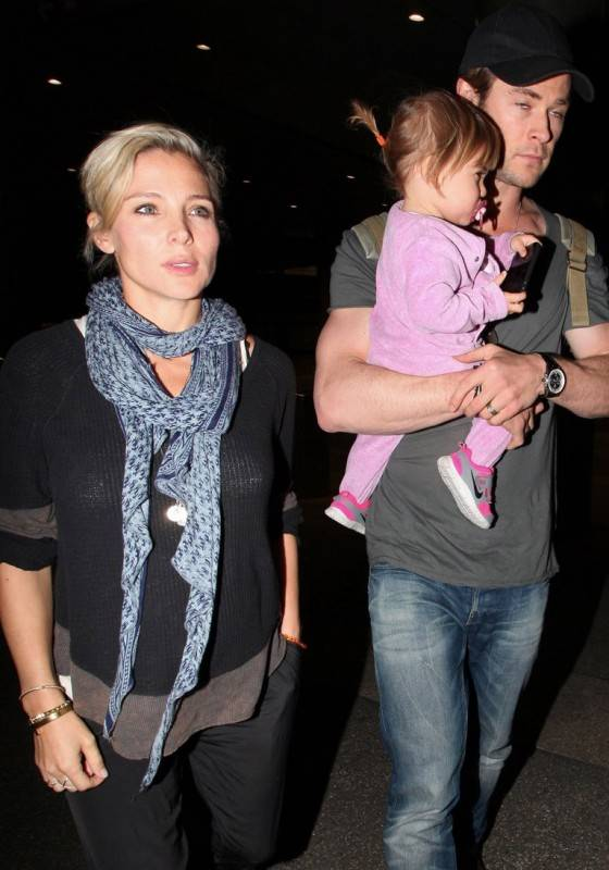 *EXCLUSIVE* Chris Hemsworth, Elsa Pataky and India arrive at LAX **USA ONLY**
