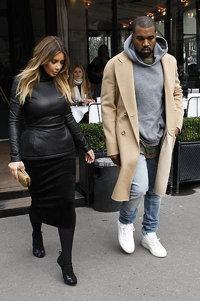 "Kim Kardashian and Kanye West outgoing of the restaurant ""L'Avenue"" in Paris"
