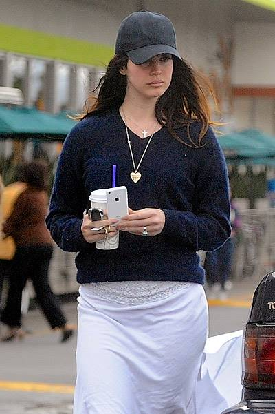 Lana Del Rey Shows Off New Ring While Grabbing Groceries With Boyfriend And Brother
