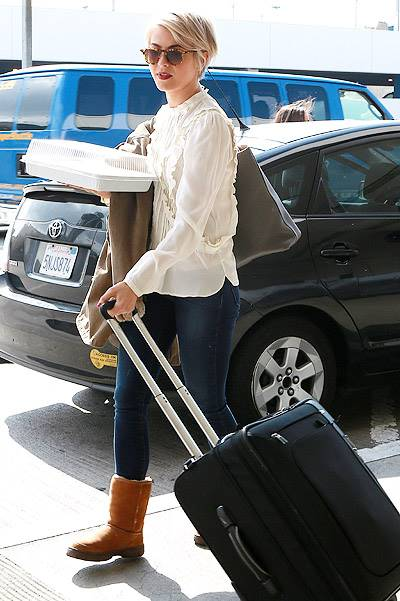 *EXCLUSIVE* Julianne Hough travels with a Special Cake