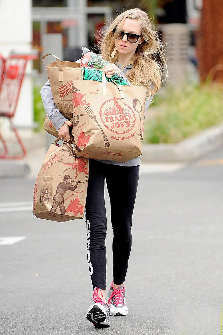 Amanda Seyfried could use a helping hand with her groceries