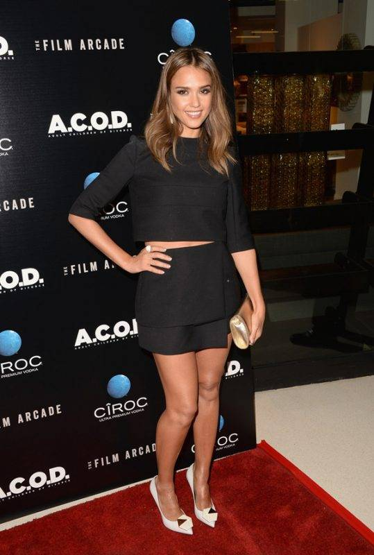 Jessica-Alba-ACOD-Narcisco-Rodriguez-Spring-2014-crop-top-and-matching-nicholas-kirkwood-embellished-heels