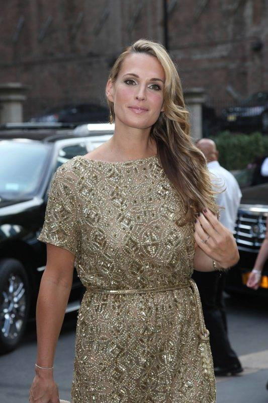molly-sims-at-marchesa-spring-2014-fashion-show-in-new-york_1