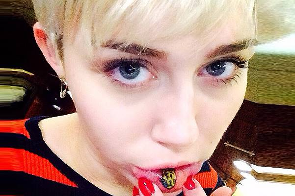 20141503-miley-post