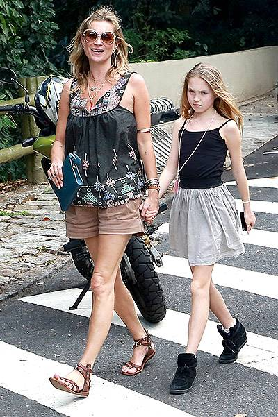 Kate Moss and Lila Grace get a Bird's Eye View of Rio **NO UK**