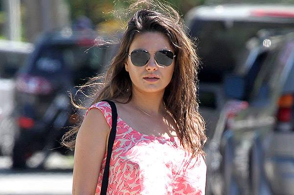 *EXCLUSIVE* Mommy-To-Be Mila Kunis shows off her Pregnancy Glow