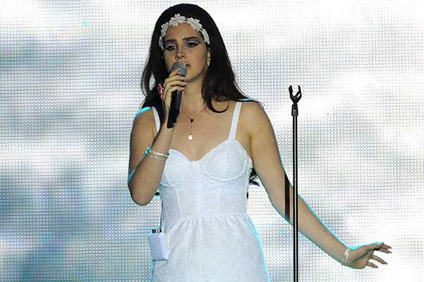 Lana Del Rey Performs in Turin