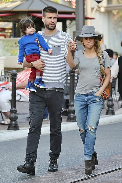 EXCLUSIVE: Shakira and Gerard Pique take their son Milan Pique to The Grove mall in West Hollywood, California