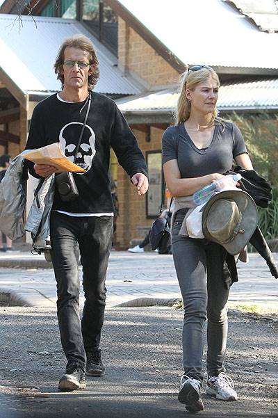 EXCLUSIVE: Rosamund Pike and boyfriend Robie Uniacke have a romantic getaway in Sydney