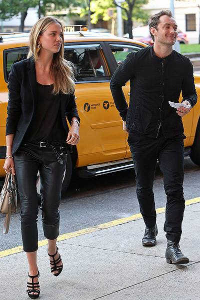 Jude  Law and ex girlfriend Alicia  Rountree are all smiles while walking in NYC