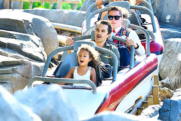 *EXCLUSIVE* Halle and Olivier spend Father's Day Weekend at Disneyland with Maceo and Nahla **NO France, Germany**