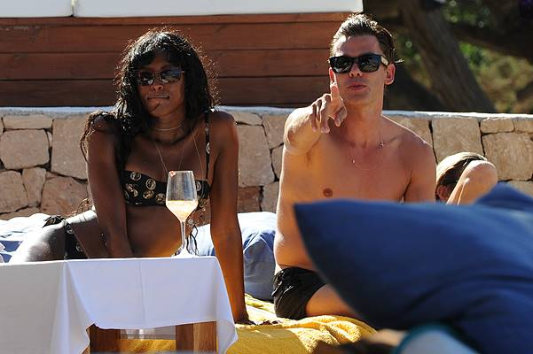 Kate Moss and Naomi Campbell in Spain