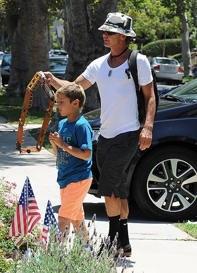 Gwen Stefani celebrates both the 4th of July and her father's birthday with her family. Stefani's father was given a collage featuring his grandchildren. Featuring: Gavin Rossdale,Kingston Rossdale Where: Los Angeles, California, United States When: 04 J