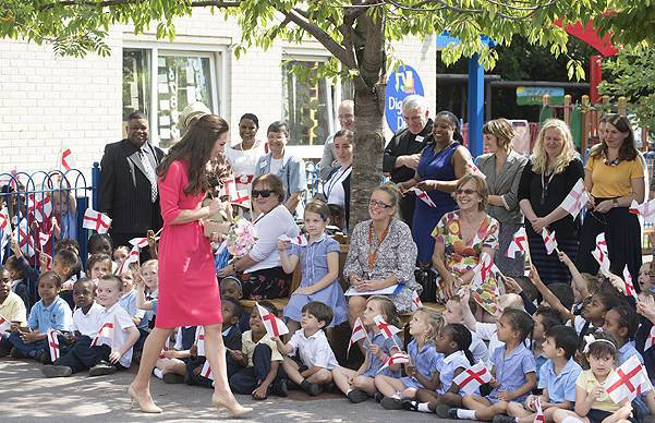 The Duchess of Cambridge visits Blessed Sacrament School to see the progress of M-PACT Plus a school based project to address addiction in families, which Her Royal Highness launched with John Bishop in Manchester in 2013. The Duchess of Cambridge meets p