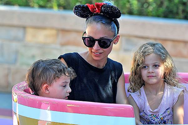 Nicole Richie spends quality time with her children at Disneyland