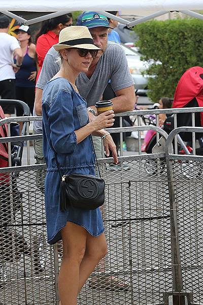 Naomi Watts and Liev Schreiber take their sons, Alexander and Samuel, to the Farmer's Market in Brentwood Featuring: Naomi Watts,Alexander Schreiber Where: Los Angeles, California, United States When: 27 Jul 2014 Credit: WENN.com