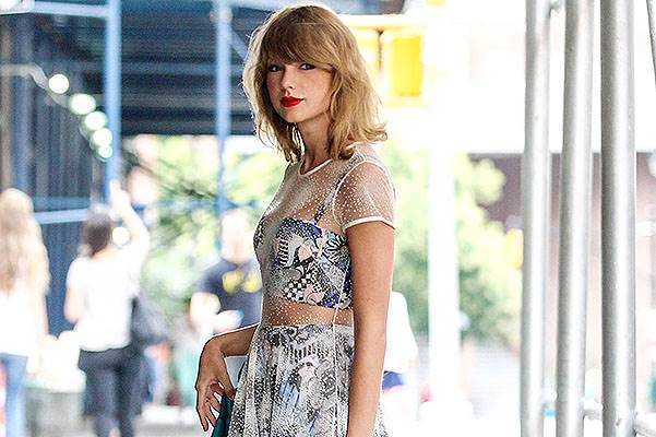 Taylor Swift in Sheer Dress and Metallic Gold Pumps