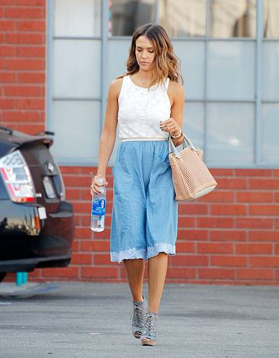 Jessica Alba coming out of her company building in Santa Monica