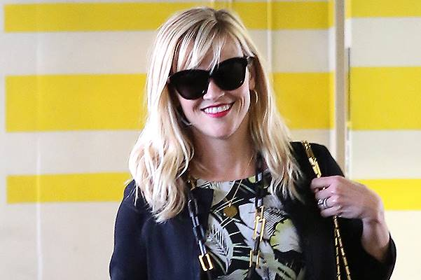 Reese Witherspoon looking sharp in a floral design