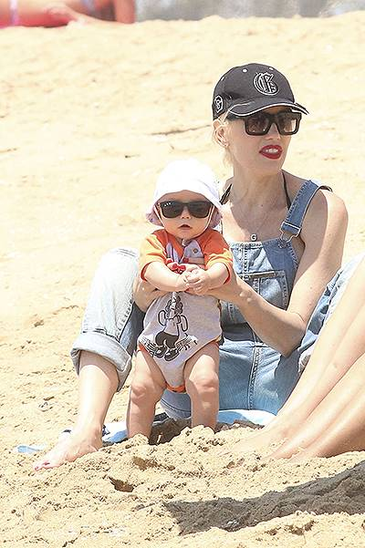 Gwen Stefani enjoying a family day with her kids in New Port beach