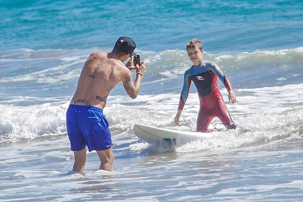 *EXCLUSIVE* David Beckham has a fun day at the beach - Part 2