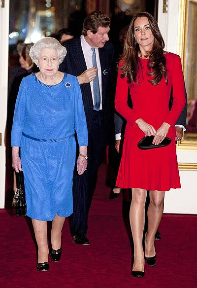 Reception for the Dramatic Arts held at Buckingham Palace - Inside Featuring: Queen Elizabeth II,Catherine,Duchess of Cambridge Where: London, England, United Kingdom When: 17 Feb 2014 Credit: WENN.com **Only available for subscribers. Not available for