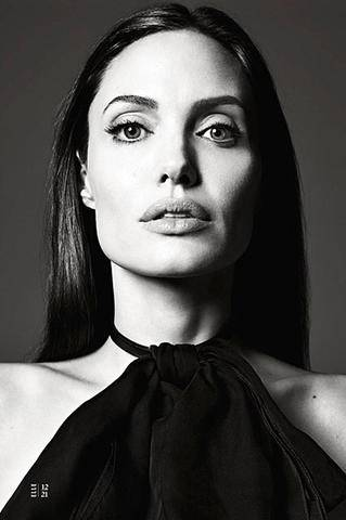 ccf7bb6302775a2354ff72f73609a726_angelina_jolie_elle_12