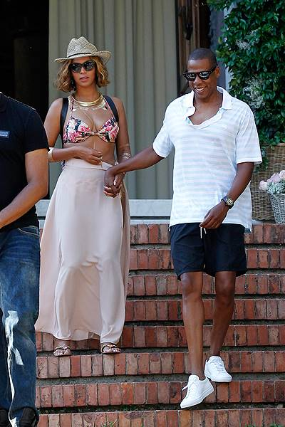 Beyonce and Jay Z in Portofino with their daughter