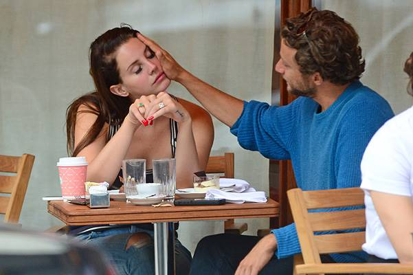 EXCLUSIVE: Lana Del Rey kisses her boyfriend Francesco Carrozzini at lunch in NYC