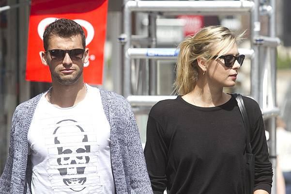 Maria Sharapova Seen With Boyfriend In Wimbledon