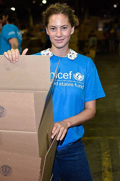 Emma Ferrer, Audrey Hepburn's Granddaughter, Joins UNICEF And UPS Volunteers In Packing Thousands Of Winter Survival Kits For Syrian Children In Edison, NJ