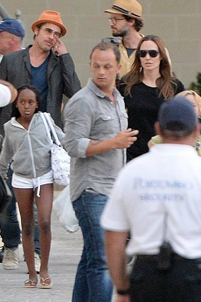 FAMEFLYNET - Exclusive: Brad Pitt And Angelia Jolie Board A Boat With Their Family In Malta