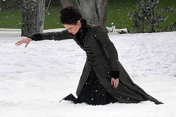 Actress Eva Green filming winter snow scenes on the set of 'Penny Dreadful' in the Iveagh Gardens. Featuring: Eva Green Where: Dublin, Ireland When: 23 Sep 2014 Credit: WENN.com **Not available for publication in Irish Tabloids, Irish magazines.**