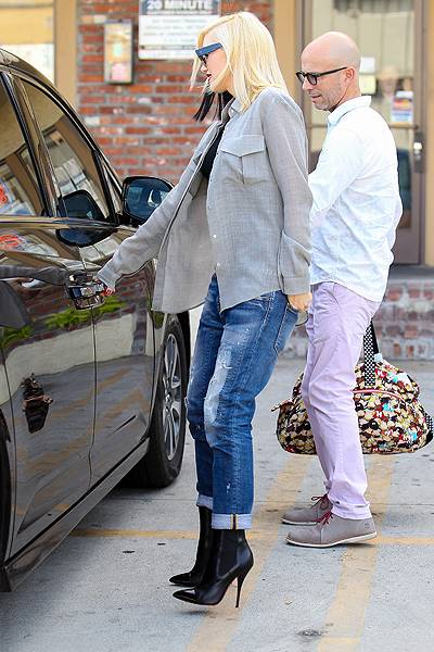 Gwen Stefani takes her youngest son Apollo Rossdale to visit her mother in celebration of Stefani's 45th birthday Featuring: Gwen Stefani Where: Los Angeles, California, United States When: 03 Oct 2014 Credit: WENN.com