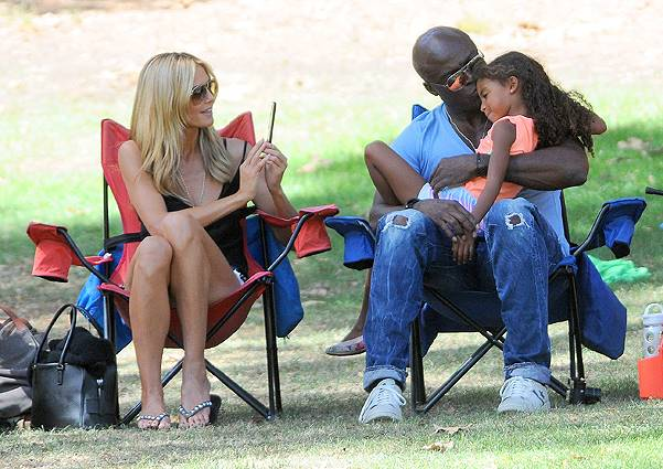 Heidi Klum and ex-husband Seal watch their children play in a soccer game in Brentwood, Los Angeles Featuring: Heidi Klum,Seal,Lou Samuel Where: Los Angeles, California, United States When: 04 Oct 2014 Credit: WENN.com