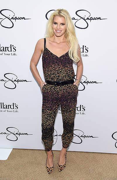 Jessica And Ashlee Simpson Visit Dillard's Perimeter Mall