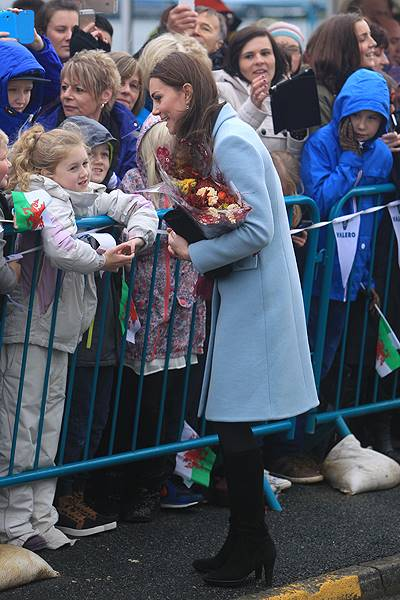 The Duke and Duchess of Cambridge visit the Pembroke Refinery in Hundleton, Wales Featuring: Kate Middleton, Catherine Duchess of Cambridge Where: Hundleton, United Kingdom When: 08 Nov 2014 Credit: WENN.com