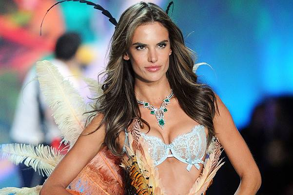 2013 Victoria's Secret Fashion Show - Show