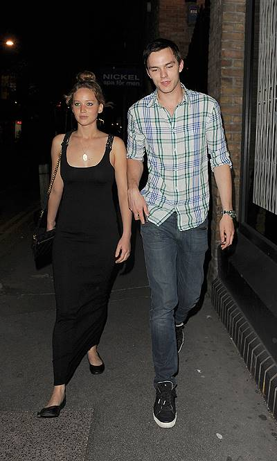 "EXCLUSIVE Jennifer Lawrence and boyfriend Nicolas Hoult 'The Hunger Games' star Jennifer Lawrence and boyfriend Nicolas Hoult enjoy a very low key date night in the West End. Having been to the Duke of York theatre to watch a performance of ""Posh"" the you"