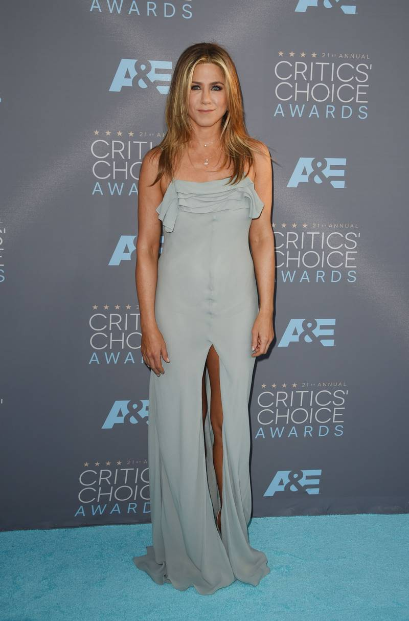 jennifer_aniston_arrives_for_the_21st_annual_critics_choic